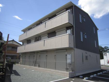 群馬県桐生市、運動公園駅徒歩20分の築2年 3階建の賃貸アパート