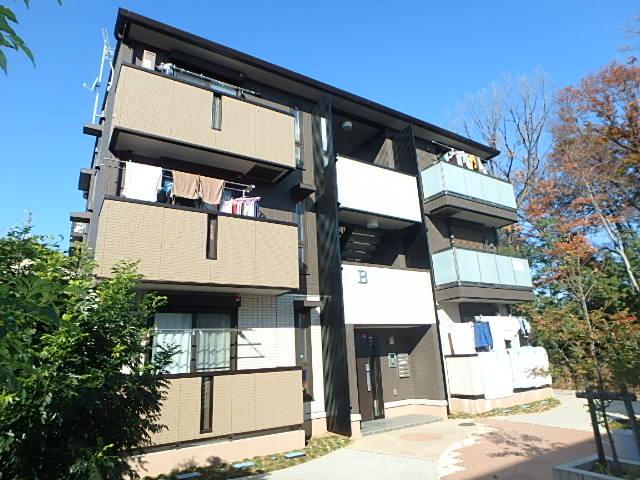 埼玉県桶川市、北上尾駅徒歩50分の築3年 3階建の賃貸アパート