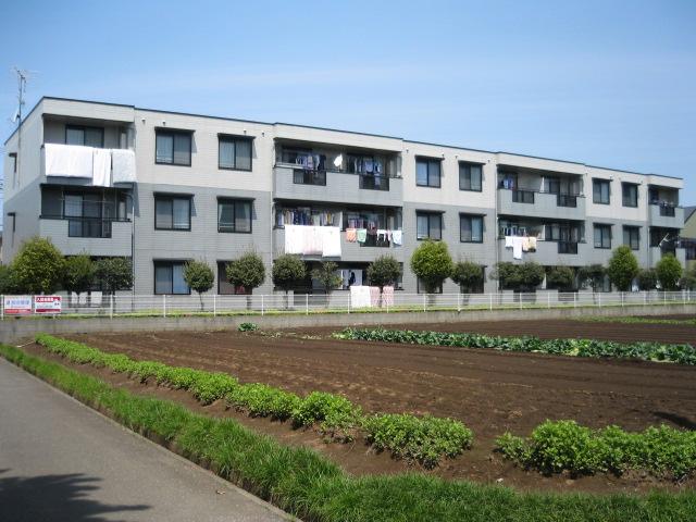 埼玉県上尾市、上尾駅徒歩20分の築23年 3階建の賃貸アパート