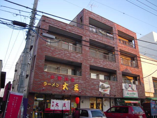 埼玉県北本市、北本駅徒歩1分の築21年 4階建の賃貸マンション