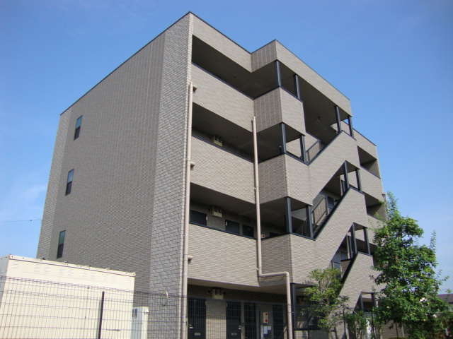 埼玉県さいたま市桜区、西浦和駅徒歩28分の築13年 4階建の賃貸マンション