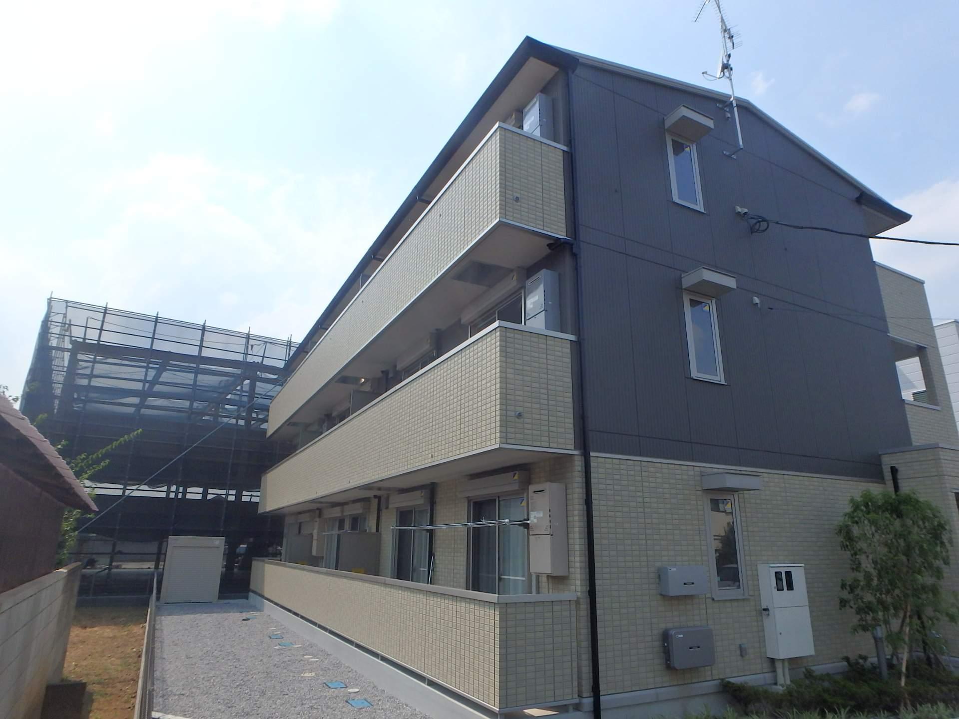埼玉県川口市、南鳩ヶ谷駅徒歩16分の築1年 3階建の賃貸アパート
