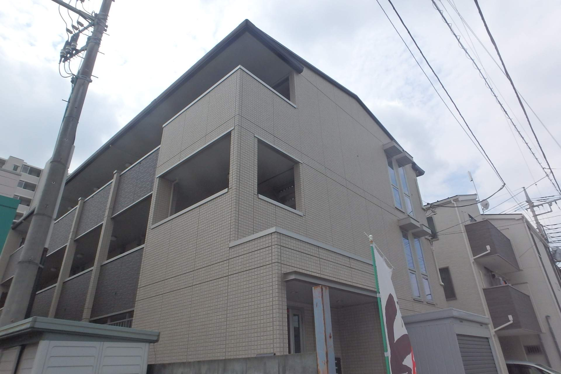 埼玉県川口市、西川口駅徒歩15分の新築 3階建の賃貸アパート