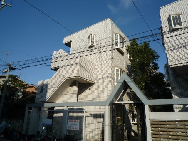 埼玉県川口市、川口駅徒歩17分の築30年 3階建の賃貸マンション