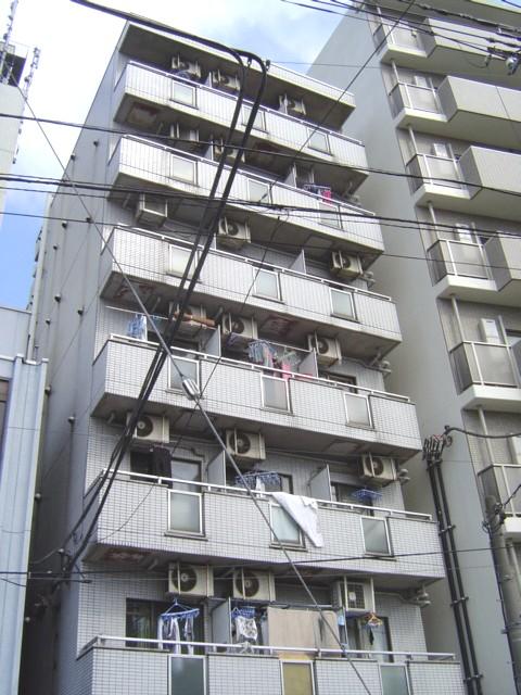 埼玉県川口市、戸田公園駅徒歩28分の築28年 7階建の賃貸マンション