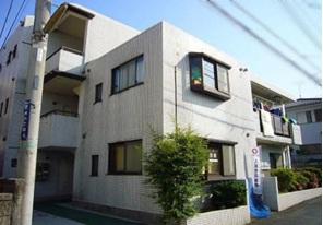 埼玉県蓮田市、蓮田駅徒歩5分の築29年 3階建の賃貸マンション