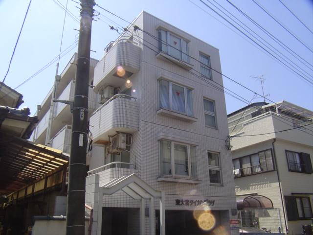 埼玉県さいたま市見沼区、東大宮駅徒歩8分の築28年 4階建の賃貸マンション
