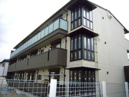 埼玉県蓮田市、蓮田駅徒歩5分の築2年 3階建の賃貸アパート