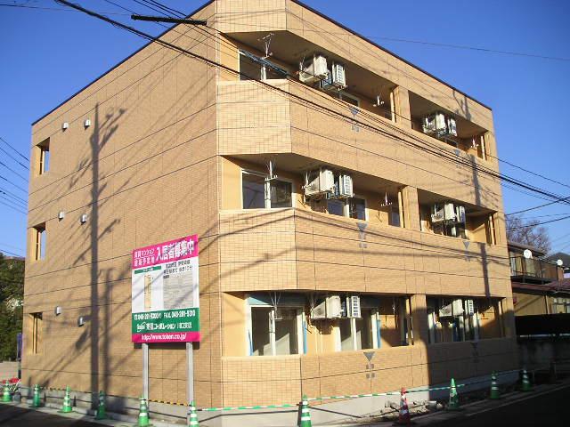 埼玉県越谷市、南越谷駅徒歩30分の築8年 3階建の賃貸マンション