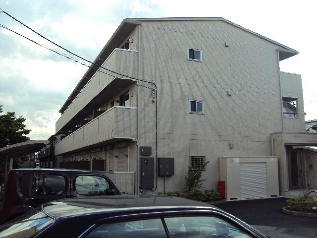 埼玉県越谷市、北越谷駅徒歩27分の築8年 3階建の賃貸アパート