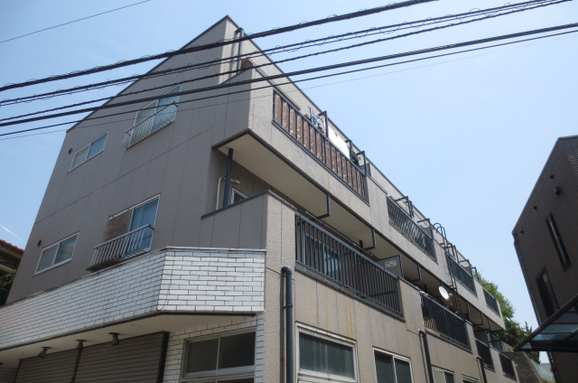 埼玉県さいたま市浦和区、さいたま新都心駅徒歩28分の築34年 3階建の賃貸マンション