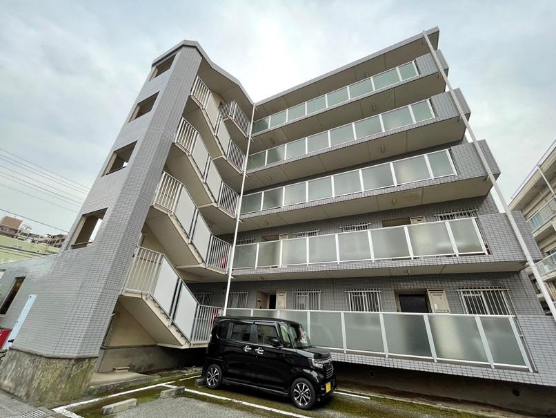 埼玉県さいたま市中央区、南与野駅徒歩15分の築25年 5階建の賃貸マンション