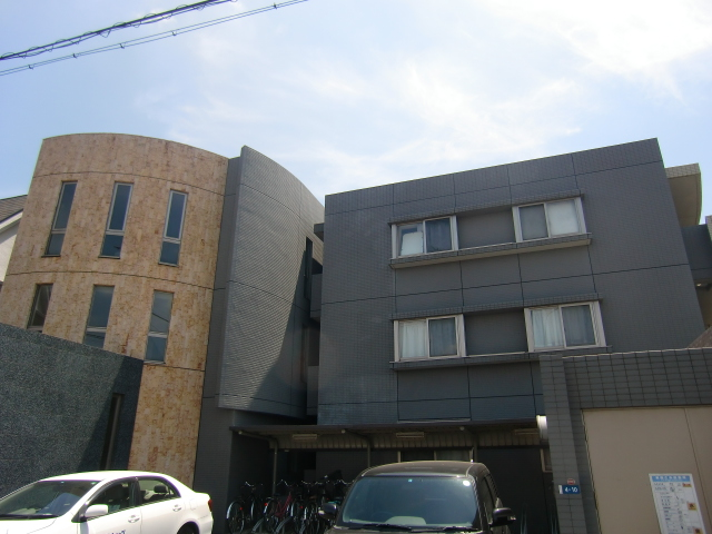埼玉県さいたま市中央区、与野本町駅徒歩10分の築12年 3階建の賃貸マンション