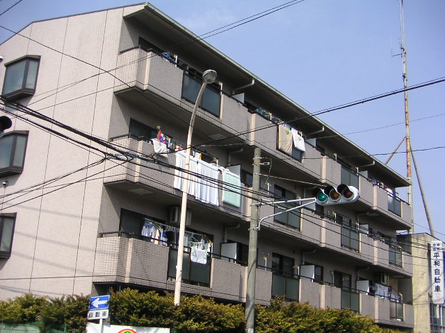 埼玉県さいたま市中央区、与野本町駅徒歩15分の築26年 4階建の賃貸マンション