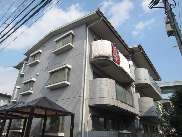 埼玉県さいたま市中央区、与野本町駅徒歩28分の築22年 3階建の賃貸マンション