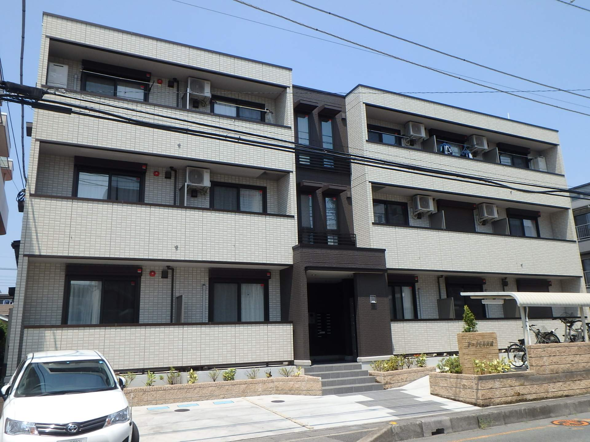埼玉県さいたま市大宮区、大宮駅徒歩17分の築3年 3階建の賃貸アパート