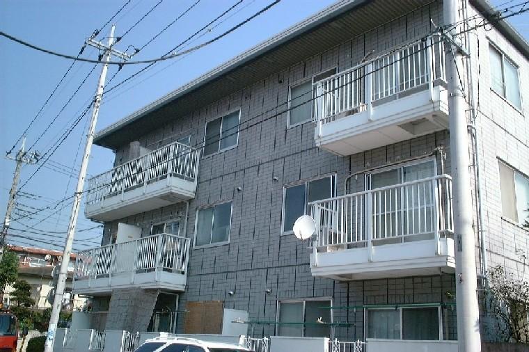 埼玉県さいたま市大宮区、大宮駅徒歩20分の築27年 3階建の賃貸マンション