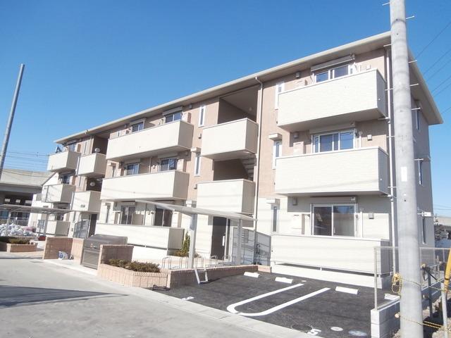 埼玉県八潮市、八潮駅徒歩5分の築3年 3階建の賃貸アパート