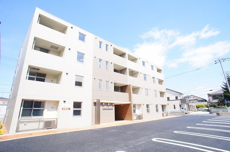 埼玉県草加市、谷塚駅徒歩19分の築3年 4階建の賃貸マンション