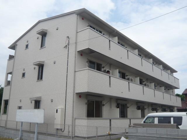 埼玉県草加市、草加駅徒歩23分の築8年 3階建の賃貸アパート
