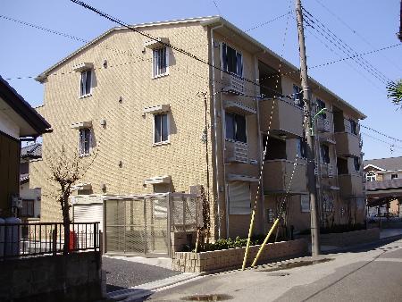 埼玉県八潮市、八潮駅徒歩17分の築8年 3階建の賃貸アパート