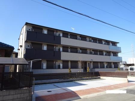 埼玉県八潮市、八潮駅徒歩8分の築1年 3階建の賃貸アパート