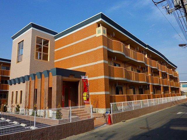 埼玉県草加市、谷塚駅徒歩19分の築6年 3階建の賃貸マンション
