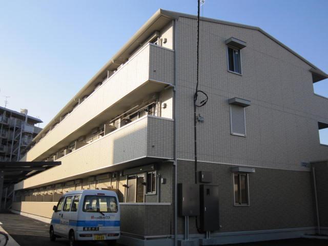 埼玉県草加市、松原団地駅徒歩17分の築5年 3階建の賃貸アパート