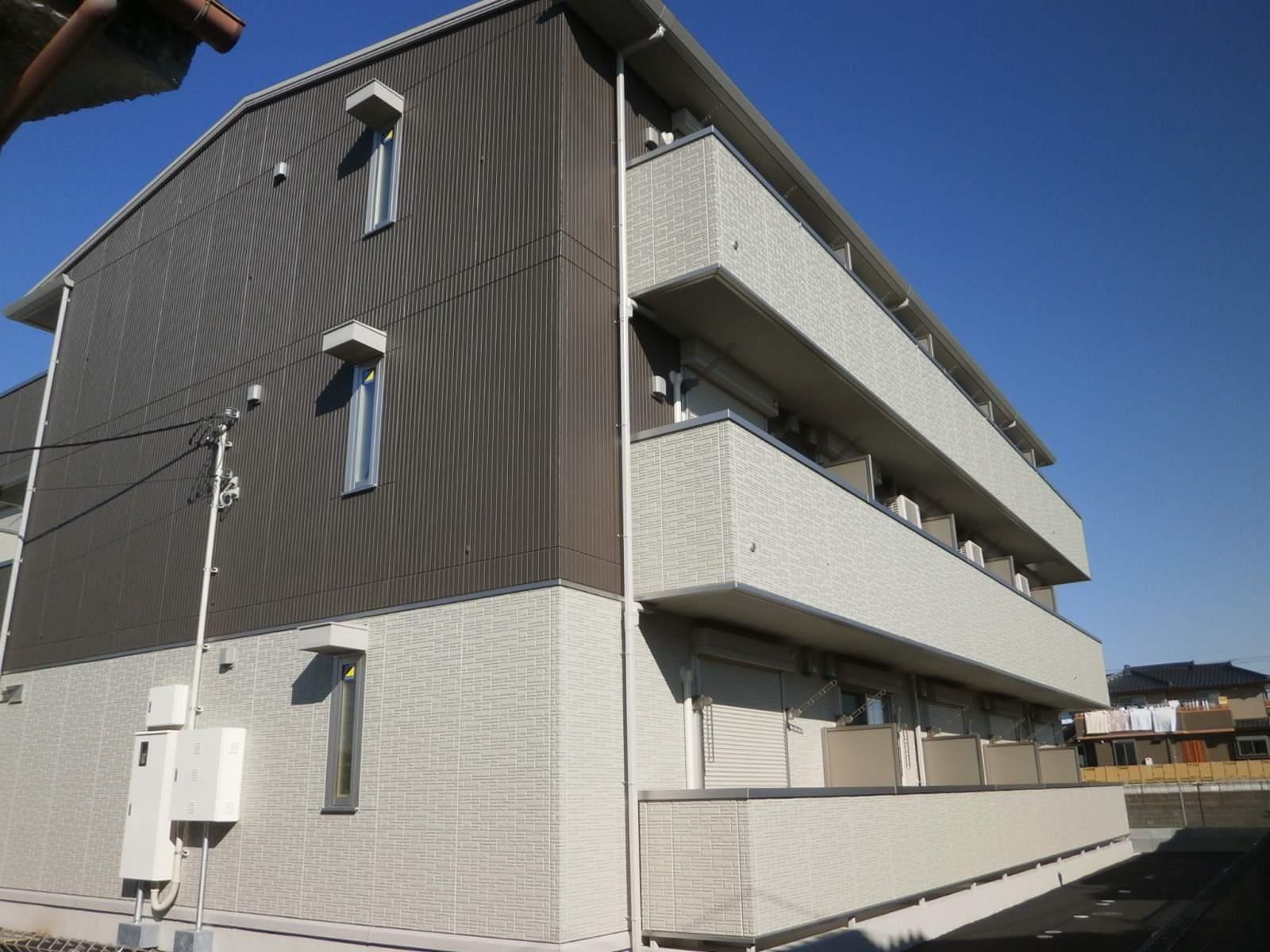 埼玉県草加市、谷塚駅徒歩26分の築3年 3階建の賃貸アパート