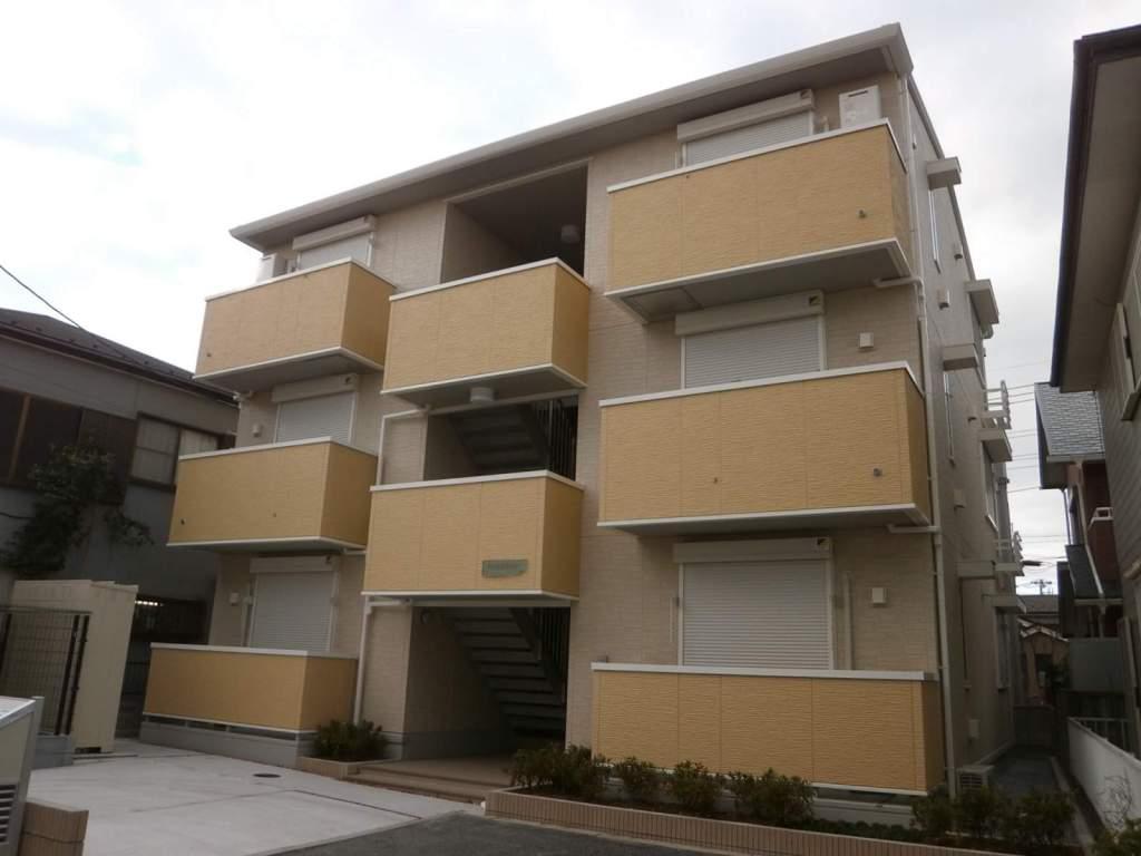 埼玉県草加市、草加駅徒歩32分の築3年 3階建の賃貸アパート
