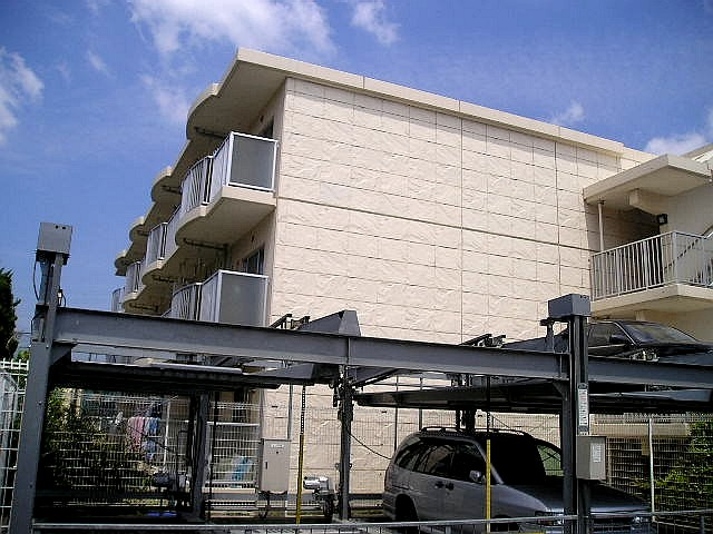 埼玉県八潮市、八潮駅徒歩18分の築14年 3階建の賃貸マンション