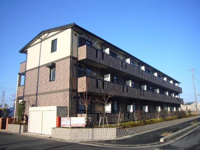 埼玉県八潮市、草加駅バス20分不動前下車後徒歩10分の築12年 3階建の賃貸アパート