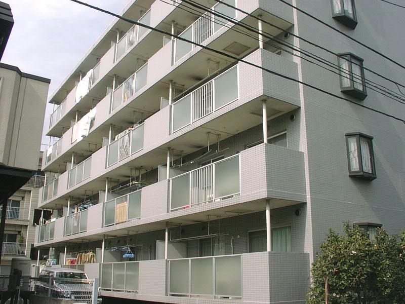 埼玉県さいたま市中央区、南与野駅徒歩15分の築24年 5階建の賃貸マンション