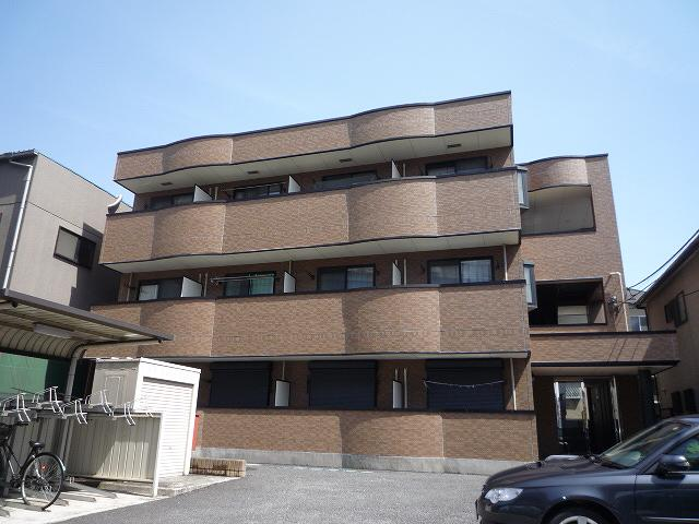 埼玉県さいたま市中央区、南与野駅徒歩18分の築13年 3階建の賃貸マンション