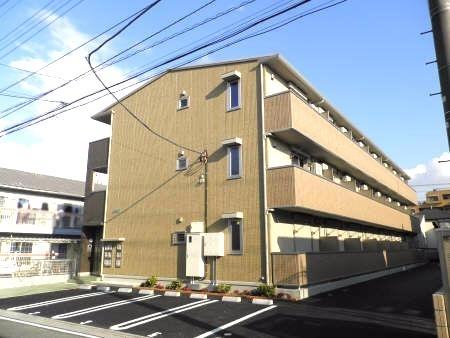 埼玉県三郷市、新三郷駅徒歩21分の築4年 3階建の賃貸アパート