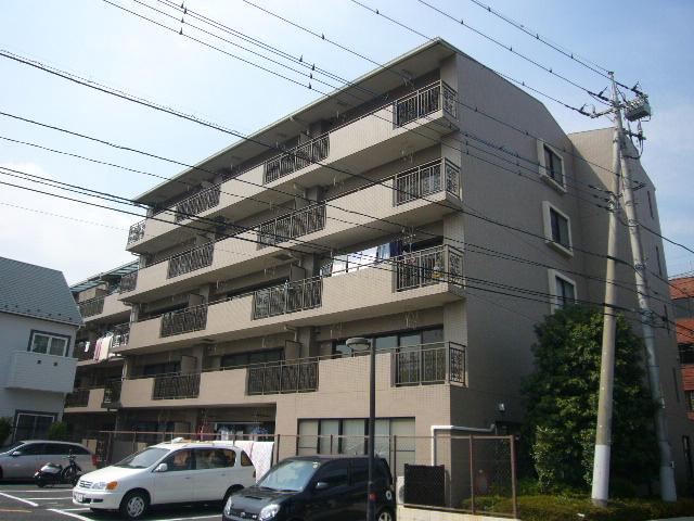 埼玉県吉川市、吉川駅徒歩5分の築22年 5階建の賃貸マンション