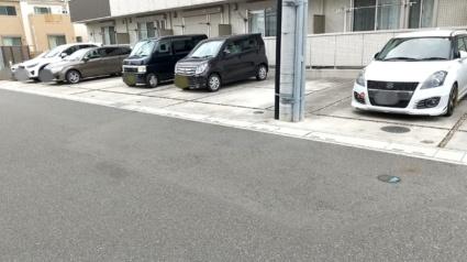 埼玉県越谷市レイクタウン5丁目[1LDK/33.78m2]の駐車場1
