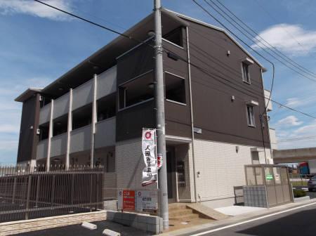 埼玉県三郷市、三郷駅徒歩35分の築4年 3階建の賃貸アパート