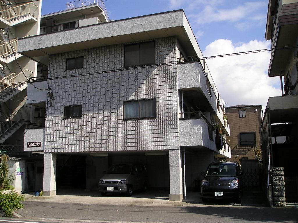 埼玉県越谷市、越谷駅徒歩17分の築26年 3階建の賃貸マンション