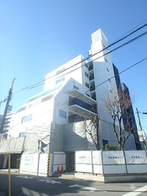 埼玉県川口市、戸田公園駅徒歩26分の築34年 8階建の賃貸マンション