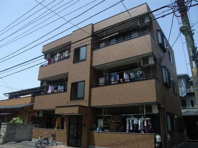 埼玉県川口市、西川口駅徒歩13分の築13年 3階建の賃貸マンション
