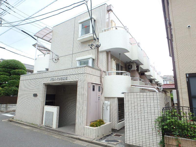 埼玉県さいたま市浦和区、与野本町駅徒歩30分の築28年 3階建の賃貸マンション