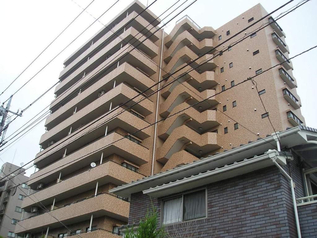 埼玉県さいたま市浦和区、北浦和駅徒歩20分の築25年 12階建の賃貸マンション
