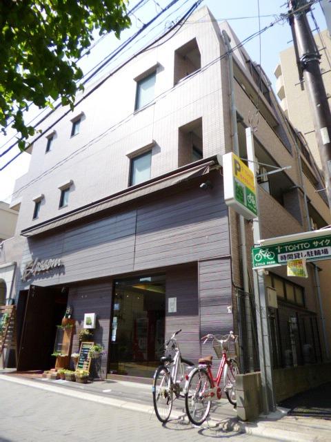 埼玉県さいたま市浦和区、南与野駅徒歩21分の築16年 4階建の賃貸マンション