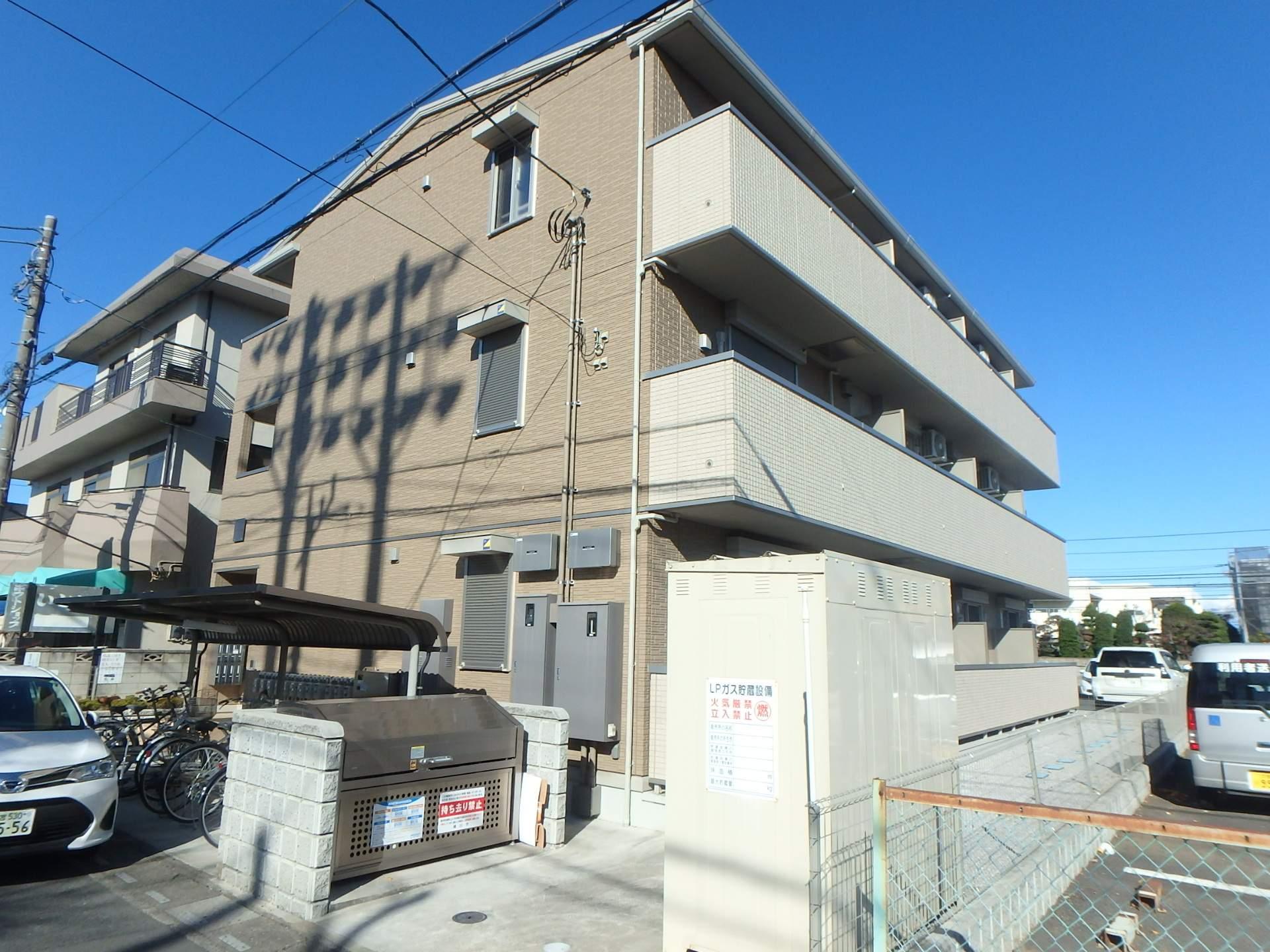 埼玉県桶川市、桶川駅徒歩6分の新築 3階建の賃貸アパート