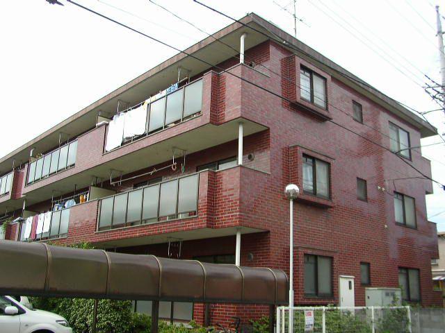 埼玉県さいたま市桜区、西浦和駅徒歩15分の築24年 3階建の賃貸マンション