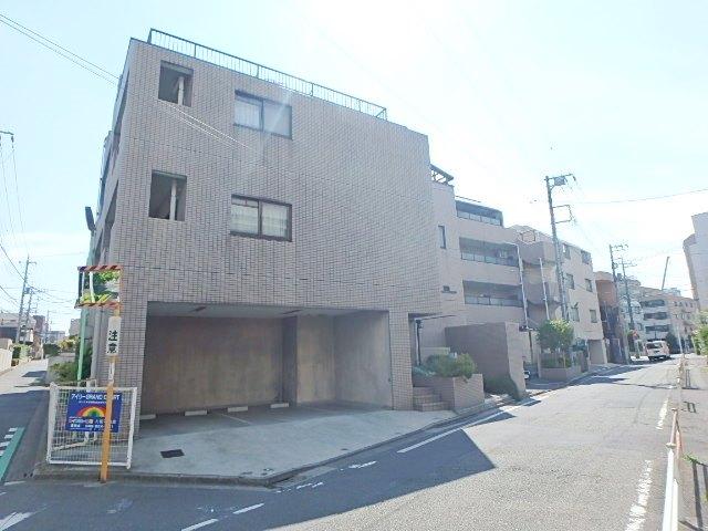 埼玉県さいたま市浦和区、武蔵浦和駅徒歩25分の築26年 4階建の賃貸マンション