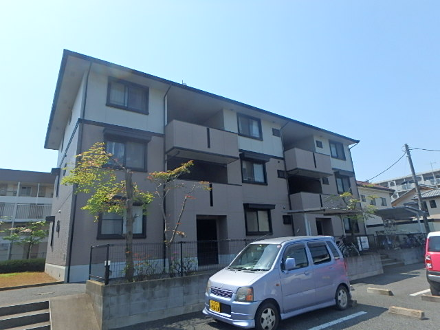 埼玉県さいたま市北区、東宮原駅徒歩12分の築19年 3階建の賃貸アパート