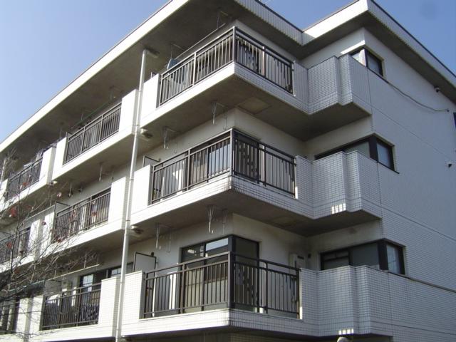 埼玉県さいたま市北区、宮原駅徒歩13分の築26年 4階建の賃貸マンション