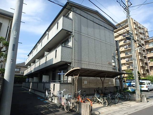 埼玉県さいたま市北区、北大宮駅徒歩22分の築13年 3階建の賃貸アパート